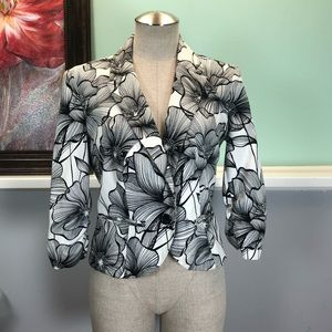 AGB Black and White Floral Print Blazer Sz 8